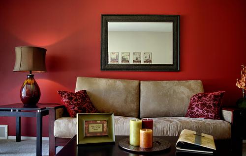 Skórzana tapicerka w domu – jak o nią dbać?