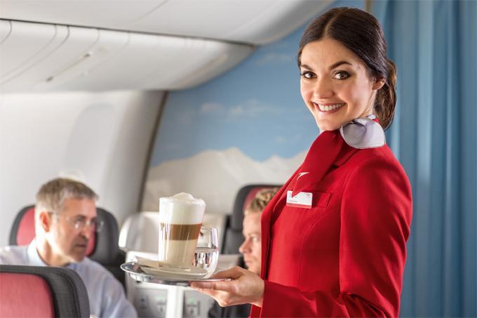 Marzysz o pracy w chmurach? Jak zostać stewardessą?