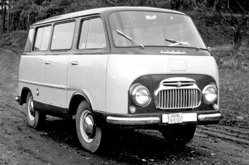Minibus Škody ma 60 lat