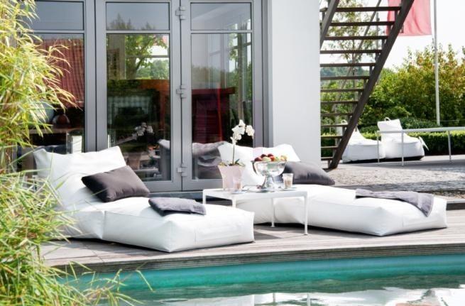 Pufa ogrodowa / leżak Blanco