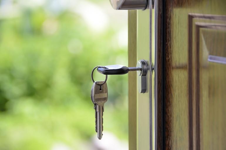 Dom To Twoja Twierdza Zapewnij Sobie Poczucie Bezpieczenstwa Drzwi Klucze Do Domu