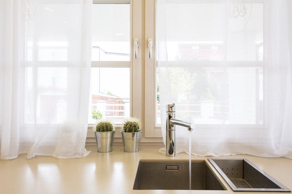 4 Sposoby Na Efektowne Wykończenie Okna W Kuchni Na 1 Miejscu