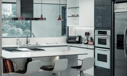 Wyciskarka wolnoobrotowa? A może szybkowar? Jakie urządzenia warto mieć w kuchni?