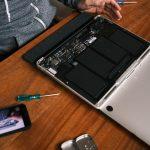 Najczęstsze usterki laptopów – co się psuje najczęściej?
